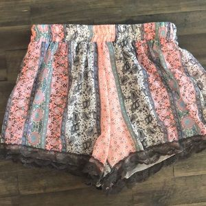 Cute patterned shorts!